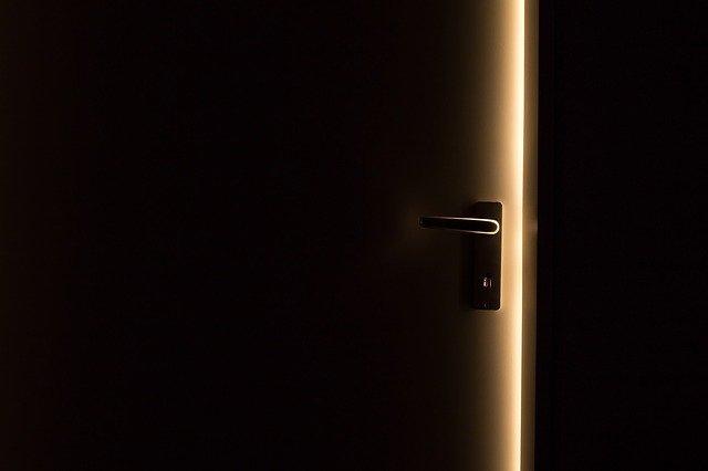 drzwi drewniane czy stalowe
